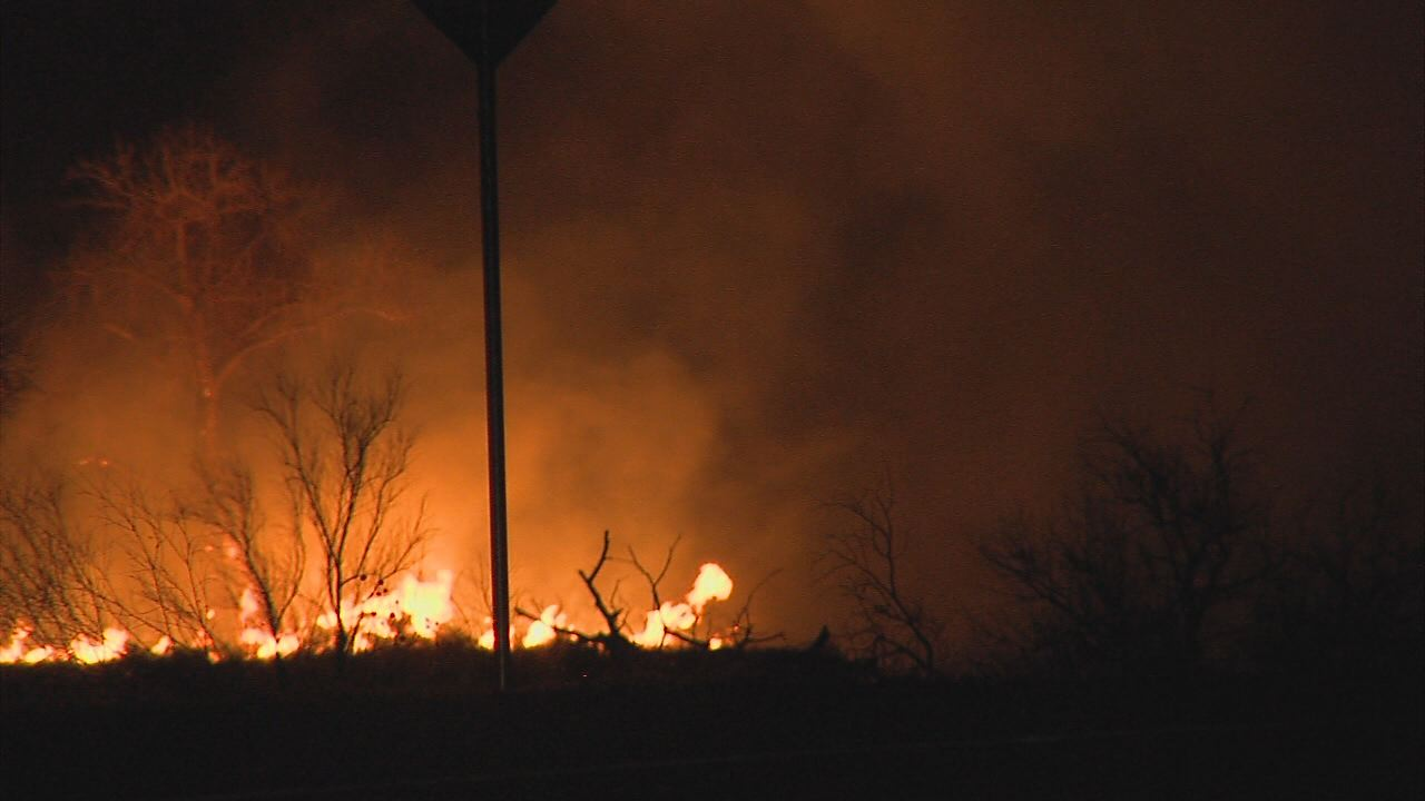 Fowler River Fire_9817