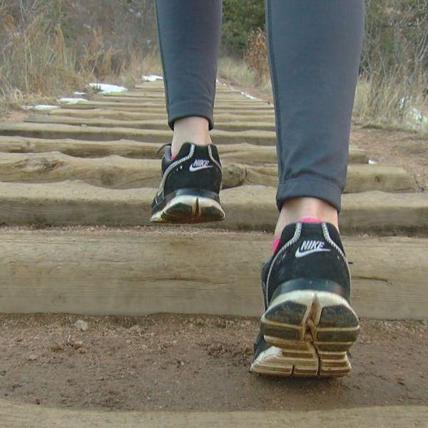 woman walking up manitou incline_148772