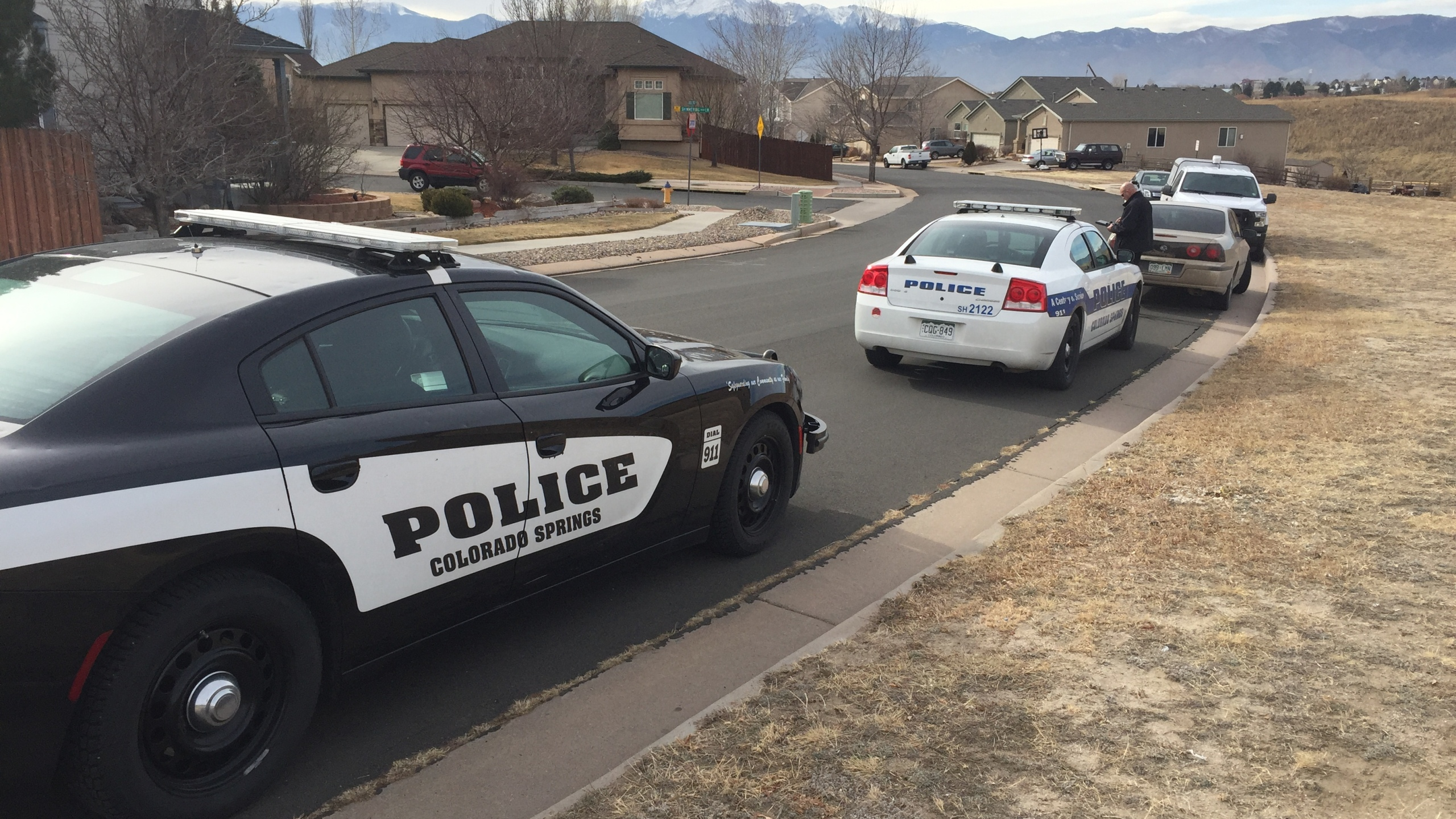 Police are investigating after a man's body was found near Cottonwood Creek in northeastern Colorado Springs Friday. _ Wes Moskalski - FOX21 Ne_215788