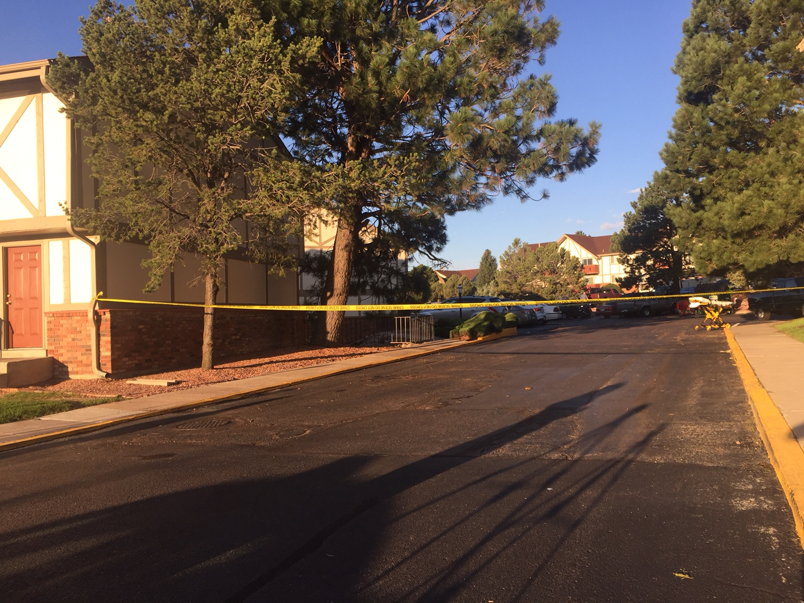 Police continue to investigate a shooting at the Kingsborough Apartments in Colorado Springs around 7 a.m. Tuesday. _ Brett Roberts - FOX21 New_295677