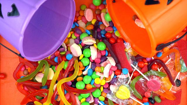 Halloween Trick Or Treat Candy Overhead Jack-o-lantern Buckets_329517