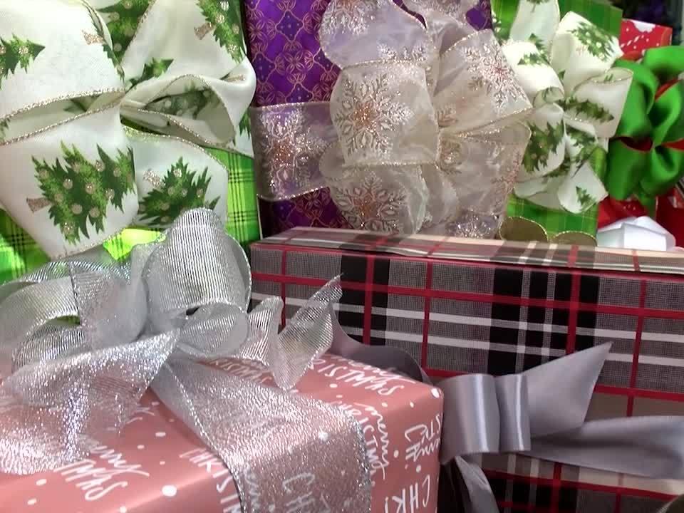 Challenge Christina: Holiday Gift Wrapping
