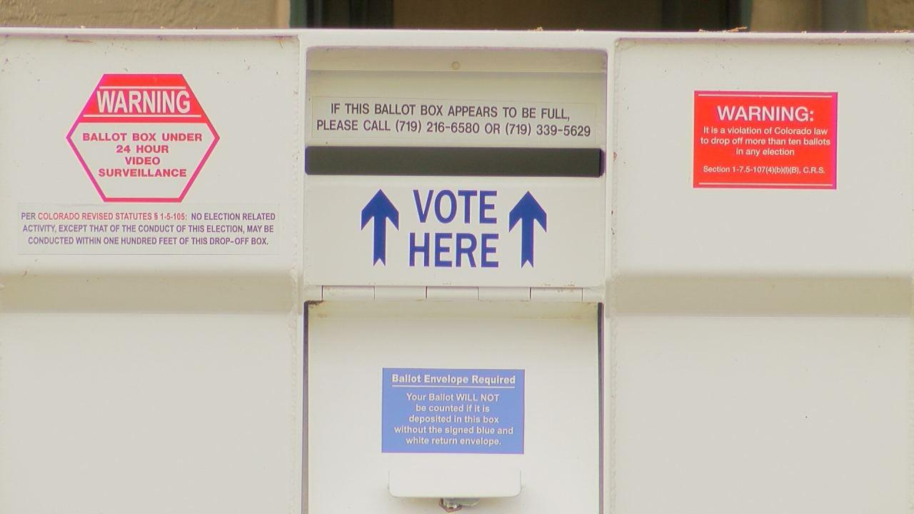 Voting box_109209