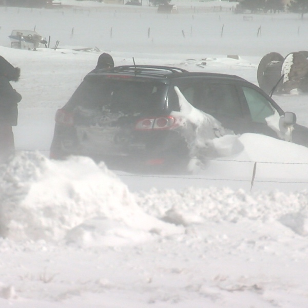 4x4 group to the rescue during blizzard