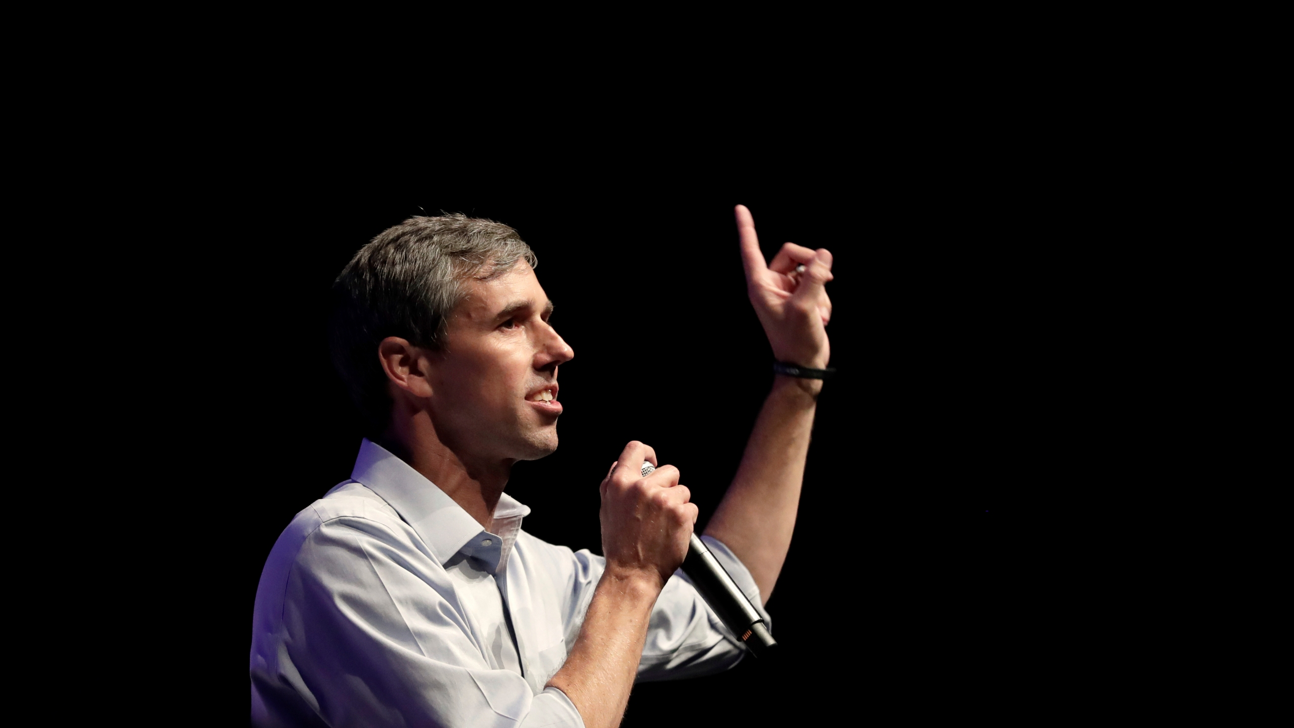 Democratic presidential candidate former Texas Rep. Beto O'Rourke speaks during a campaign rally in Grand Prairie, Texas, Thursday, Oct. 17, 2019. (AP Photo/Tony Gutierrez)