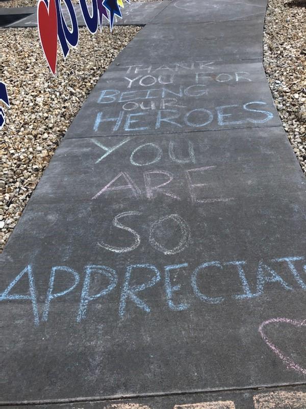 Med Students Decorate Children S Hospital Colorado Sidewalks Fox21 News Colorado