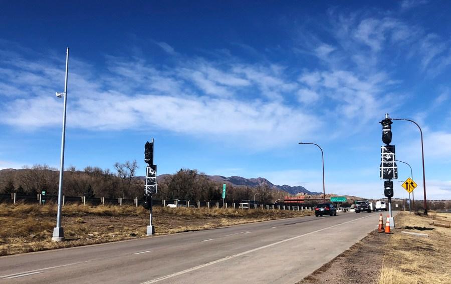 Ramp metering signals on the Uintah Street ramp to northbound Interstate 25. / Photo courtesy CDOT