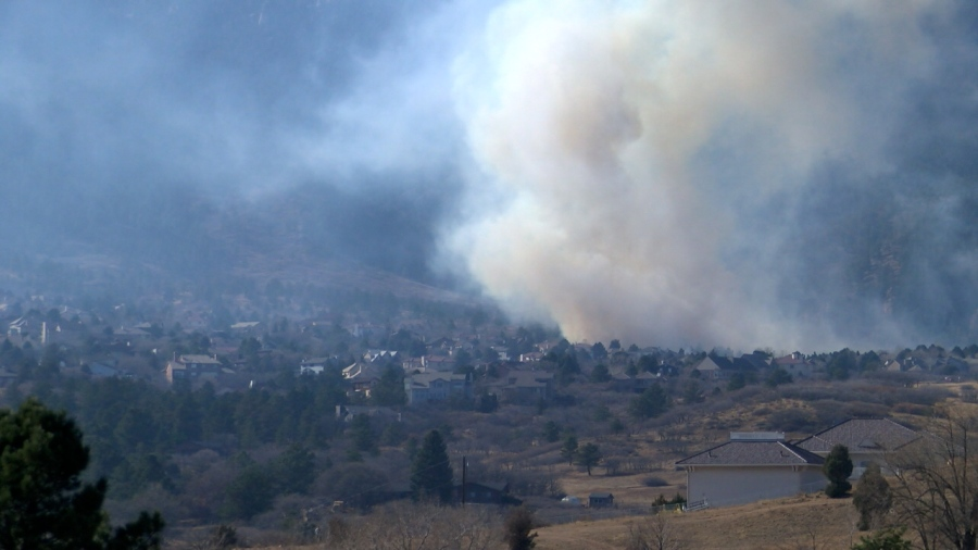 The Bear Creek Fire Thursday afternoon. / Brandon Thompson - FOX21 News